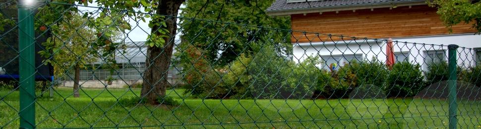 Maschendrahtzaun: Rembart - Holz im Garten