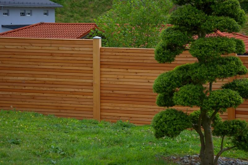 Sichtschutzzaun Holz Mit Metallpfosten